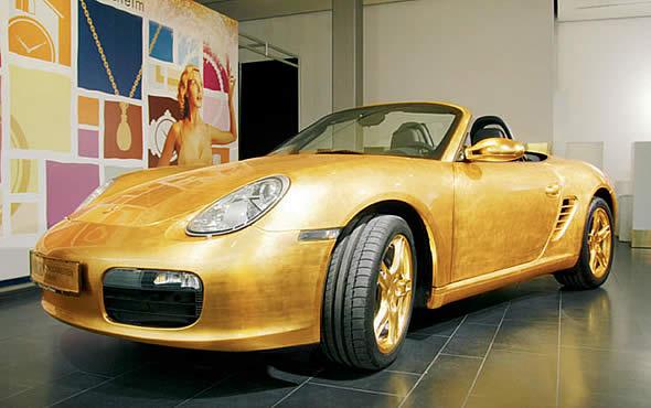 Porsche 911, покрытый золотом