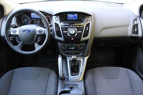 Ford Focus III оформление интерьера