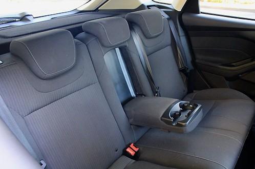 Ford Focus III задние сиденья