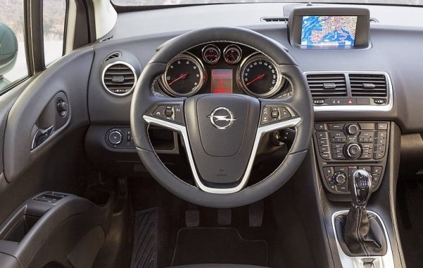Opel Meriva фото салона