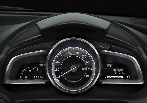 Mazda 2 панель приборов
