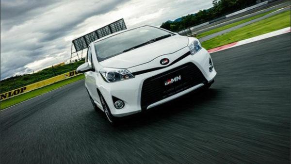 Toyota Yaris (Vitz)