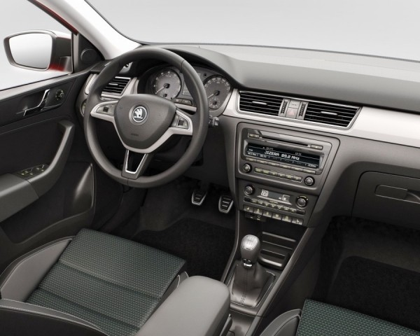 Skoda Rapid Spaceback фото салона