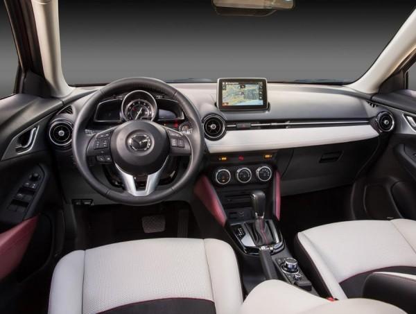 Mazda CX-3 2016 фото салона