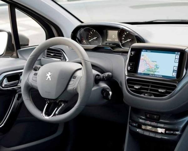 Peugeot 208 Фото салона