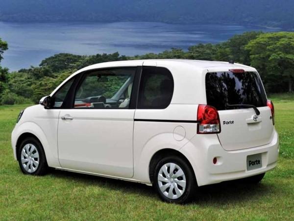 Toyota Porte 2013