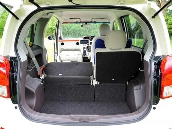 Toyota Porte 2013 багажник