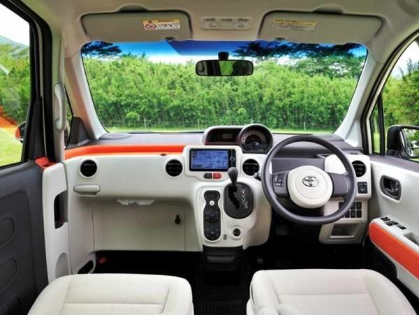 Toyota Porte 2013 фото салона