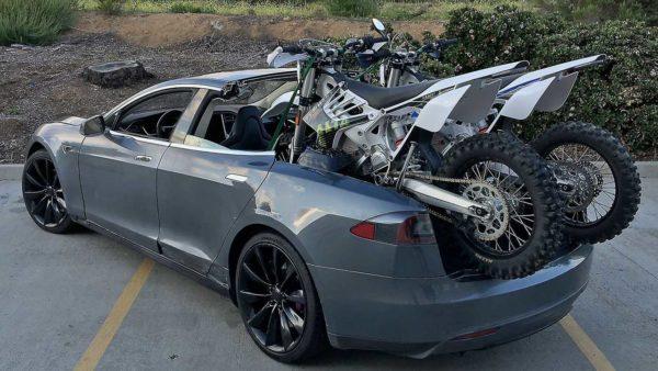 фото пикапа Tesla